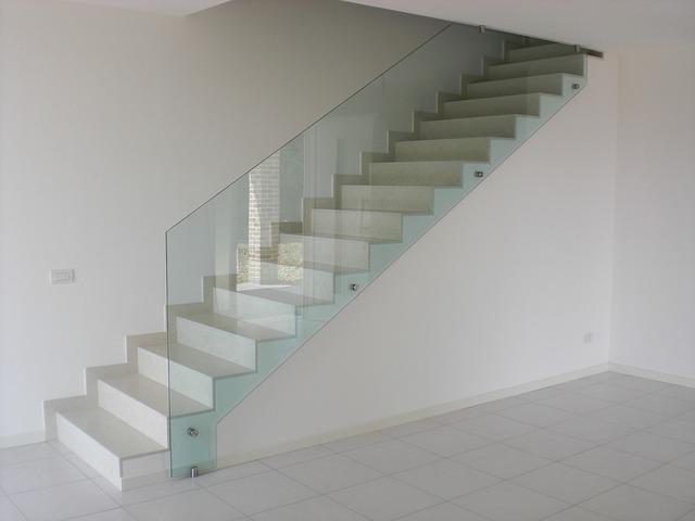 Schodisko môže byť elegantným dizajnovým prvkom každého interiéru