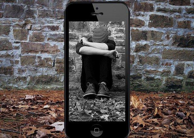 kyberšika prostredníctvom mobilu.jpg
